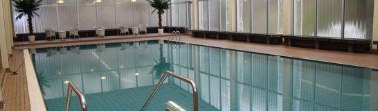 Schwimmbad 546x160